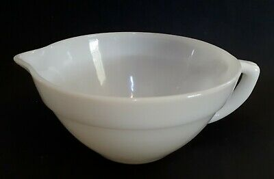 Vintage ANCHOR HOCKING FIRE-KING White PYREX Mixing Bowl with spout