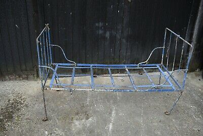 Vintage French daybed frame