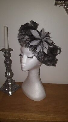 Black and Ivory fascinator / Hatinator for wedding / the races