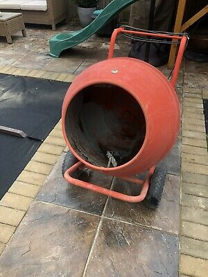 Cement /concrete mixer Large 134L drum with max mixing capacity, 230 Volt motor