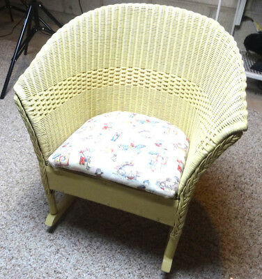 "Vintage Cream Off White Wood Wicker Child Baby Doll 21""T Rocking Rocker Chair"
