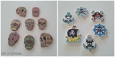 BT00011155 8 x 23mm /'Pirate Skull/' Round Wooden Buttons
