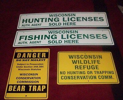 4 sign collection: WISCONSIN WILDLIFE REFUGE, Hunting license, Fishing and Bear