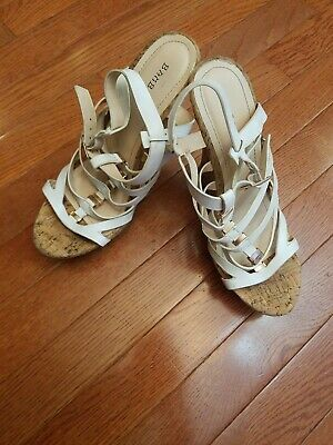05e9f6cd7c01 BAMBOO SHOES SIZE 8.5 Brown Wedge Sandals   -  6.99