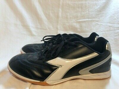 4cbc66fb8 DIADORA MEN S CAPITANO LT Indoor Soccer Shoe