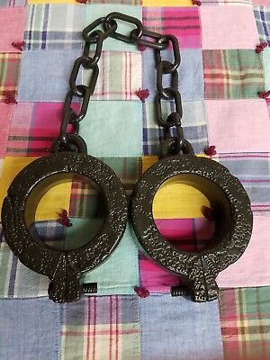 Rod Iron Chain Shackles Halloween Haunted House Real Looking Prop New Dungeon