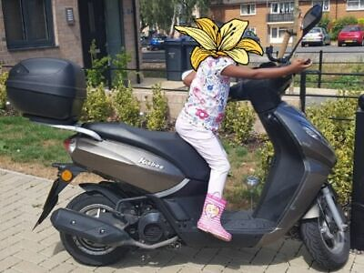 Peugeot kisbee scooter 100cc year 2017
