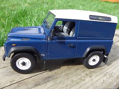 1:18 Land Rover 90 Defender TD5 Short Wheel Base SWB Blue Diecast Model Toy Car