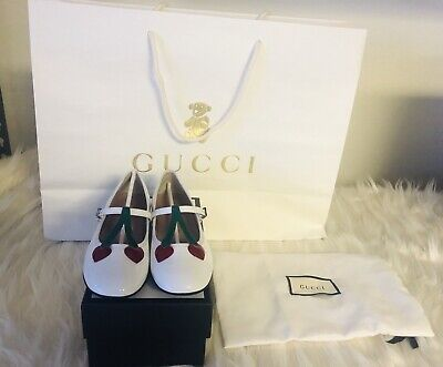 fe3572fa94a Brand New Authentic Gucci Girls White Leather Cherry Hearts Flats size 31