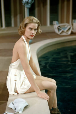 A Grace Kelly Posing At The Pool 8x10 Picture Celebrity Print