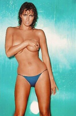 A Raquel Welch Sexy Body Wet Hair 8x10 Picture Celebrity Print