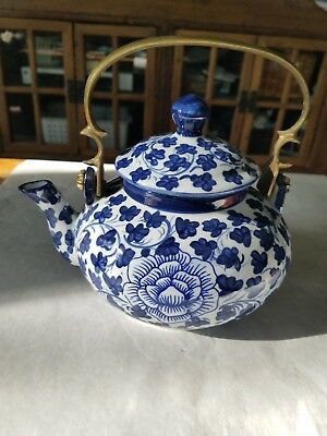 Antique Chinese Blue & White Flowers China Teapot 5 Cup Brass Handle Horses