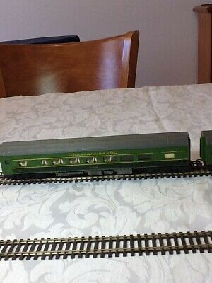Triang 3 green transcontinental coaches in oo gauge