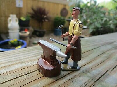 Vintage Britains Lead Blacksmith And Anvil Excellent Original Condition
