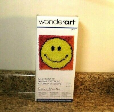 "/""Wonderart Latch Hook Kit 12/""/""X12/""/""-Smiley Face Set Of 2/"""