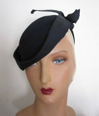 4899deb7b44 TRUE VINTAGE 1930 s Navy Wool Felt Tilt Hat with Large Grosgrain Bow