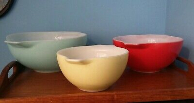 """Complete Set JAJ Pyrex """"Carnival"""" Nesting Mixing Bowls Yellow Red Blue 1960s"""