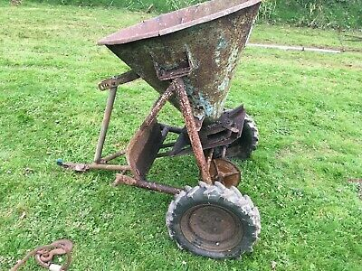 Fertilizer spreader quad land drive classic tractor fergy teagle? pony paddock