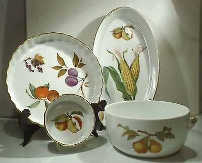Royal Worcester Evesham oven to table ware dishes Fruits  gold trim Fireproof
