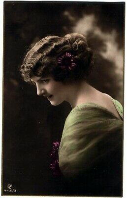 5030+ Victorian Woman Images Pictures Postcards or Posters or Prints