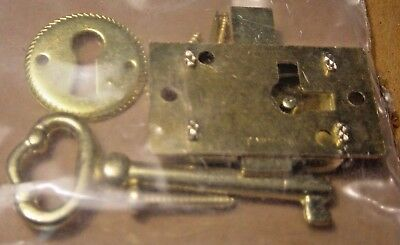 Working Vintage Antique Brass Finish Metal Skeleton Key & Hole Plate Lock Kit