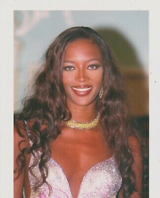 Naomi CAMPBELL BUSTY Photo Presse Originale VERSACE FASHION SHOW 1999