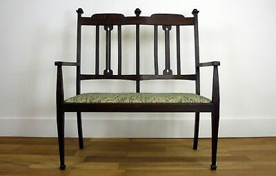 Splendid Oak Arts and Crafts Hall Bench Settle