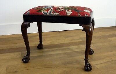 Very Attractive English Walnut Edwardian Claw Foot Stool - Colefax And Fowler