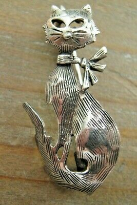 A Quirky Birmingham Hallmarked Sterling Silver Cat Brooch / Tie Pin / Badge