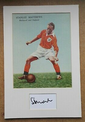 STANLEY MATTHEWS BLACKPOOL AUTOGRAPH CARD IN MOUNTED DISPLAY 13 x 9 SOCCER