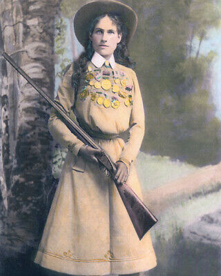 """ANNIE OAKLEY WESTERN STAR & SHARPSHOOTER 1899 8x10"""" HAND COLOR TINTED PHOTOGRAPH"""