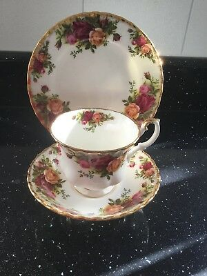 Royal Albert  - Old Country Roses Trio - Cup Saucer and Side Plate 1st Quality