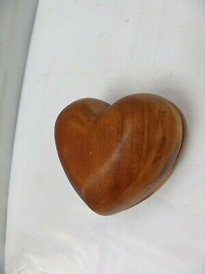 Vintage Beautiful Heart Shaped Carved Wooden Trinket Box Vanity Table Decoration