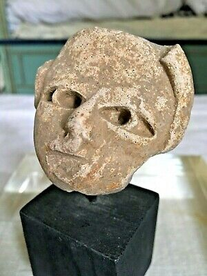 PRE COLOMBIAN HEAD ,, Stand,provenance