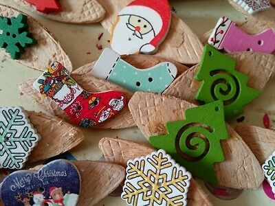 JOB LOT 50 HANDMADE MIXED CHRISTMAS  THEMED WOODEN  BROOCHES -party favours
