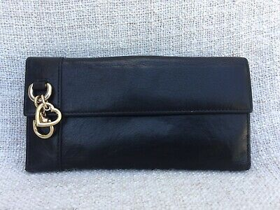 ddac5e36ad5 GUCCI Continental Women s Black Leather Wallet With Heart Charm 270027  Authentic