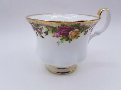 Royal Albert Old Country Roses Ruby Celebration Ribbon Collection Tea/Coffee Cup