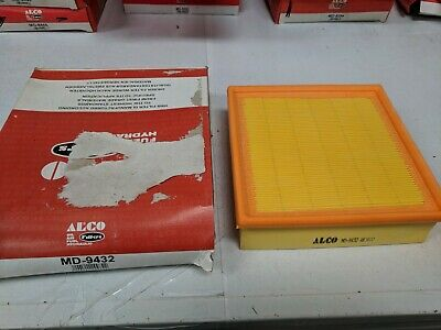 Seat *New* Air Filter Hengst E22L Audi 76-91 50-94 74-93 87-96 Volvo VW