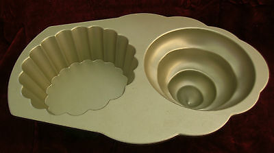 Nordic Ware U.S.A. Cup Cake Mould / Cake Baking Tray 10cups 2.4L