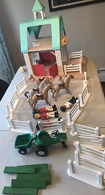 Vintage Little Tikes Stable, 6 horses, cat, 4 people, 13 fence pieces, tractor