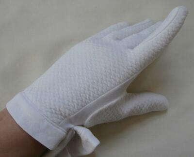 BNWOT Vintage 1960's Ivory-White Quilted-Effect Top Nylon Wrist Gloves Sz 7 Med