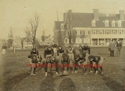 c1900 COLLEGE FOOTBALL TEAM IN FORMATION - SCARCE LG 7x9 VTG CABINET CARD PHOTO