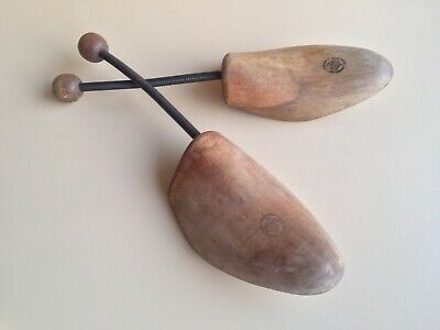 VINTAGE Pair Of Wooden SHOE STRETCHERS / Trees With Metal Spring