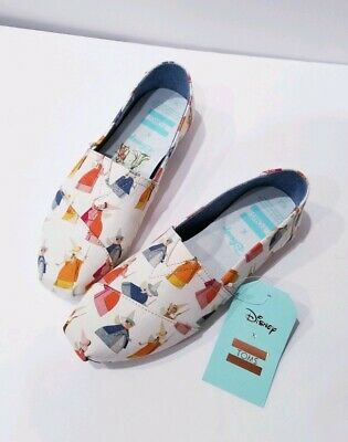 30beb0f0e2a Toms x Disney Womens Classic Natural Fairy Godmother Printed Canvas Size 6.5