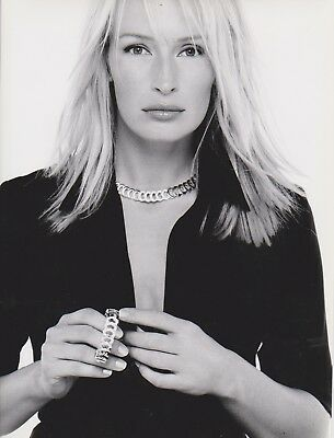 Estelle HALLYDAY  Photo Publicitaire Bijoux CARTIER