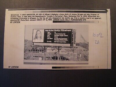 AP Wire Press Photo 1993 Billboard 10 yr old missing Holly Piirainen Grafton MA