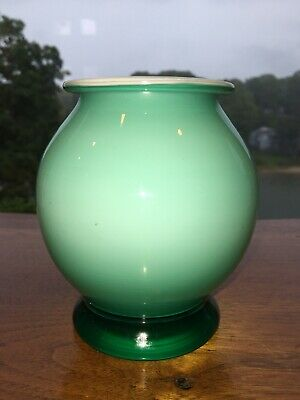 Hand Blown Art Glass Light Green To Emerald 5 Inch Vase