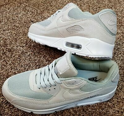 more photos fe4b6 6a50b Nike Air Max 90 SE ESSENTIAL PREMIUM MEN S TRAINERS SHOES CREAM SUEDE UK  SIZE 9