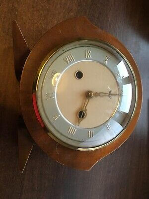Nice Smiths Enfield Striking Mantel Clock. Works But No Key. Have A Look!