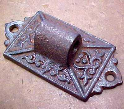 Antique Cast Iron Mounting Bracket for Wall Bracket Oil Lamp